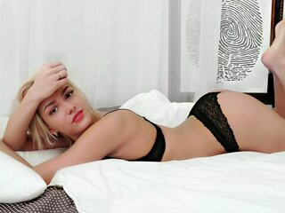 SandraCharming camshow naked